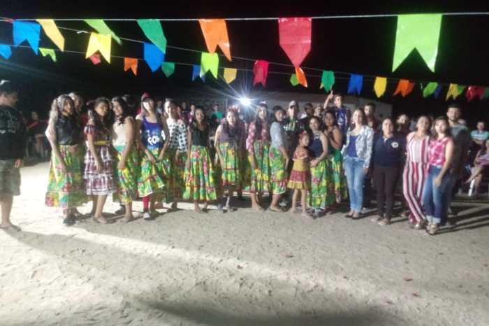 Serviço de Convivência das comunidades de Picos e Serra Branca comemoram São João