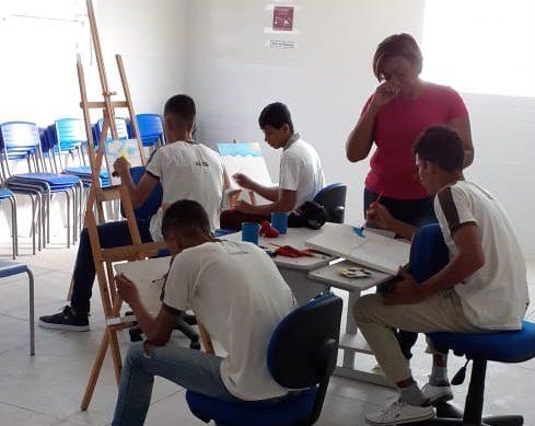 Escola de São João do Cariri inova com projeto de artes