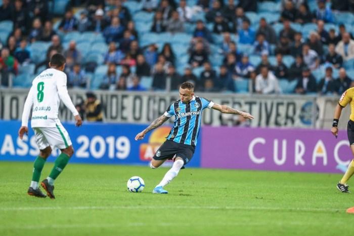 Grêmio e Chapecoense empatam em jogo com muitos gols