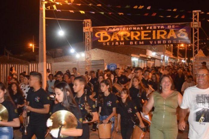Missa e procissão encerram Festa de N. Senhora do Desterro em Barreiras de Caraúbas