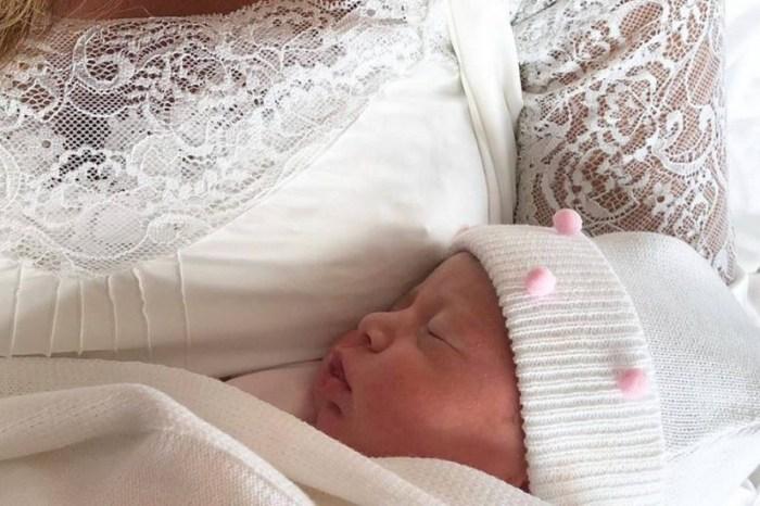 Claudia Leitte aparece com a filha e bebê na web