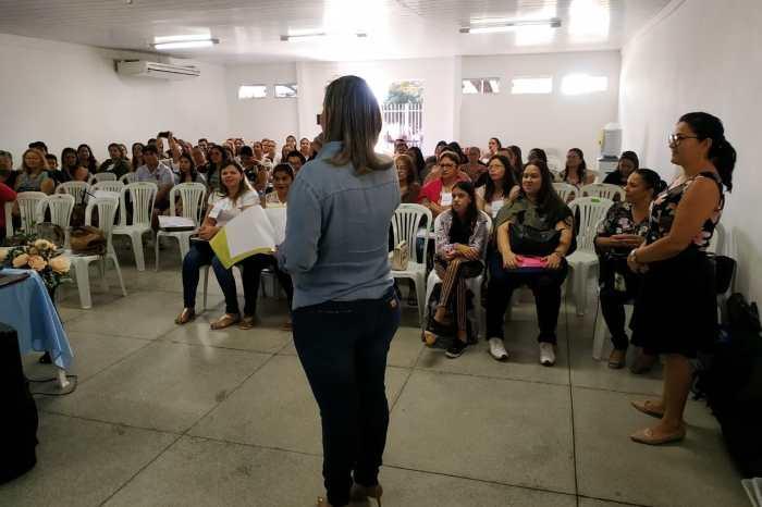 Seduc de Monteiro recepciona profissionais para Encontro de Formação sobre educação infantil