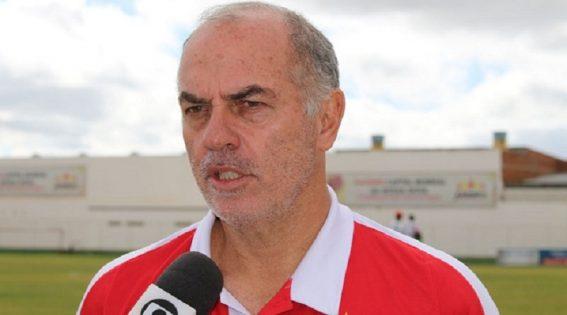Sousa confirma paulista de 55 anos como treinador para 2020
