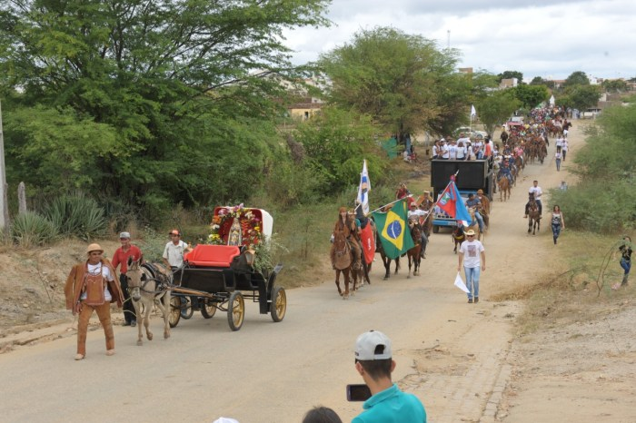 Celecileno Alves e Cajó Menezes participam 27ª Missa dos vaqueiros em Monteiro