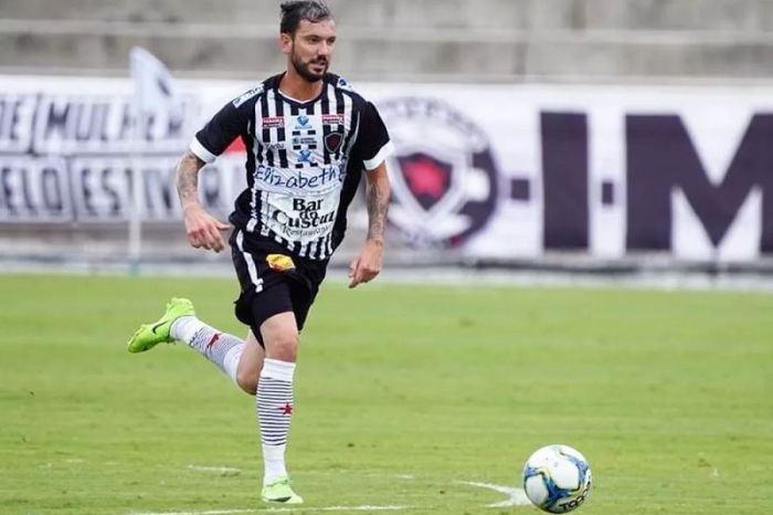 Clayton vai à Justiça para cobrar R$ 170 mil do Botafogo-PB