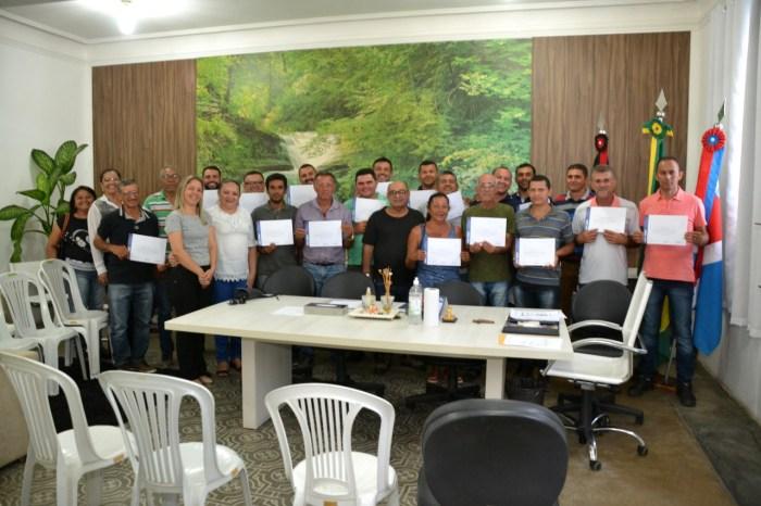 Condutores do município participam de qualificação e recebem certificados em Monteiro