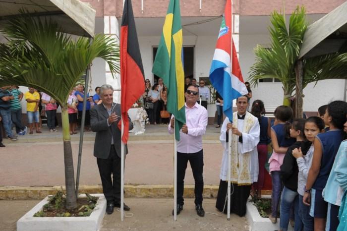 Hasteamento das Bandeiras marcam abertura da Semana da Pátria em Monteiro