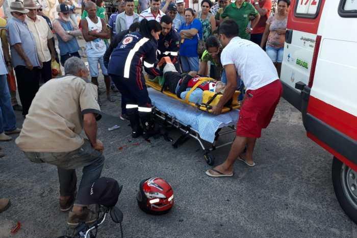 Acidente entre carro e moto deixa uma pessoa ferida no Cariri