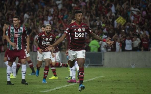 Fla amplia para 10 pontos vantagem na liderança do Brasileirão