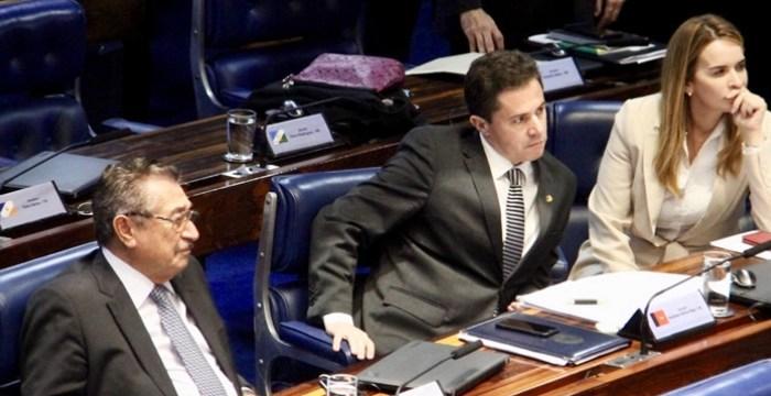 Senado aprova reforma da Previdência; bancada paraibana fica dividida