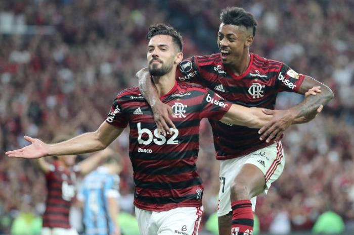 Fla goleia o Grêmio e volta à final da Libertadores após 38 anos