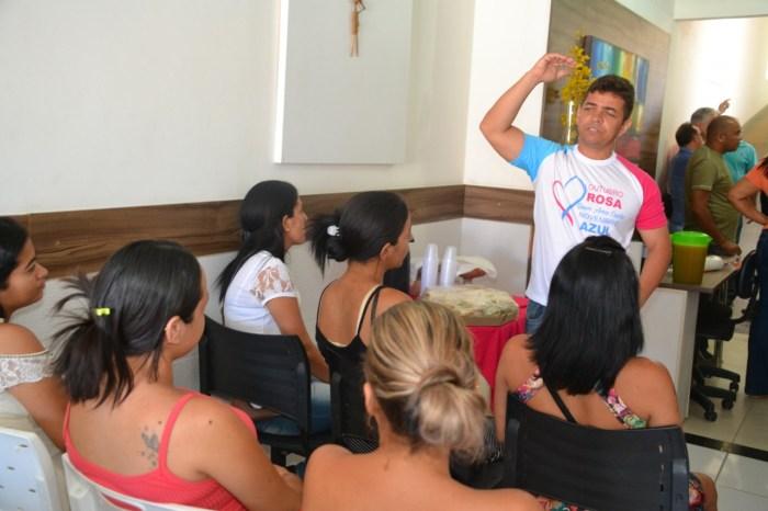 Momento Rosa é realizado em Monteiro atraindo dezenas de mulheres para várias atividades