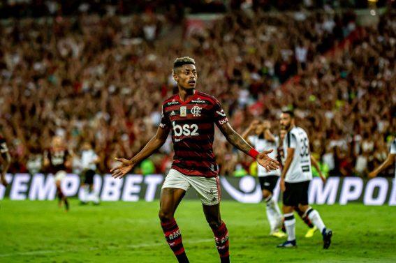 Em clima de festa, Bruno Henrique comanda goleada do Fla sobre Ceará