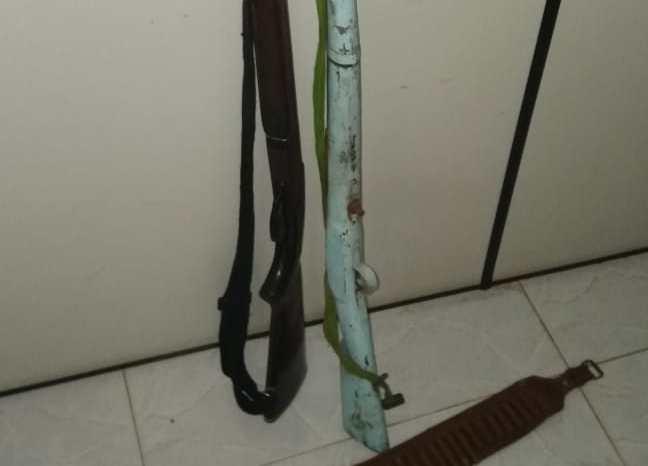 Homem é preso com espingardas e dezenas de munições no Cariri