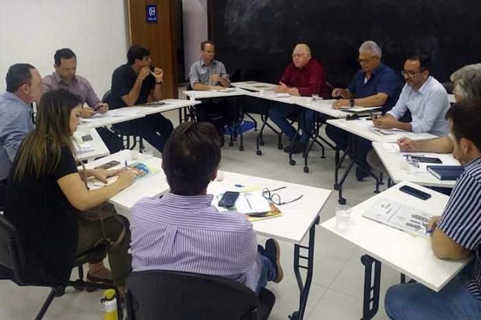 AMCAP reunirá prefeitos e vereadores do Cariri para tratar sobre a PEC que propõe extinção dos municípios