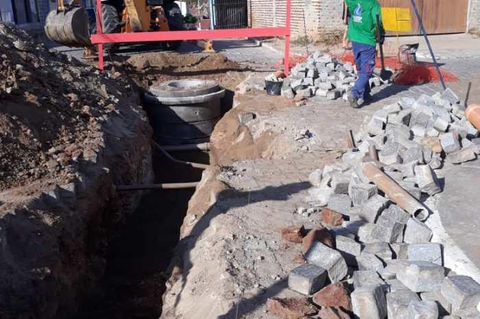 Prefeitura de Sumé inicia obra do esgotamento sanitário no bairro Alto Alegre