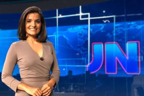Paraibana faz discurso ao apresentar Jornal Nacional