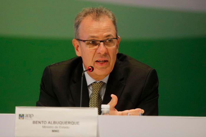 Energia nuclear é prioridade para o Brasil, diz Bento Albuquerque