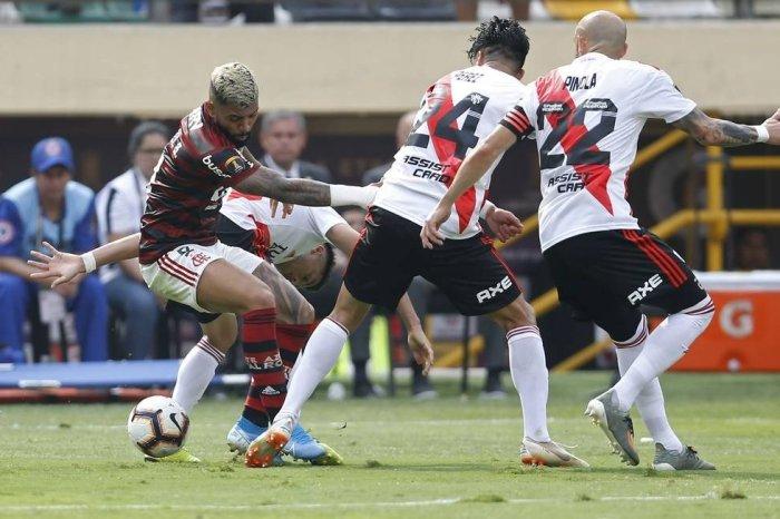 Flamengo vira contra o River Plate e conquista a Libertadores
