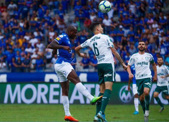 Cruzeiro cai para Segundona em jogo interrompido por confusão