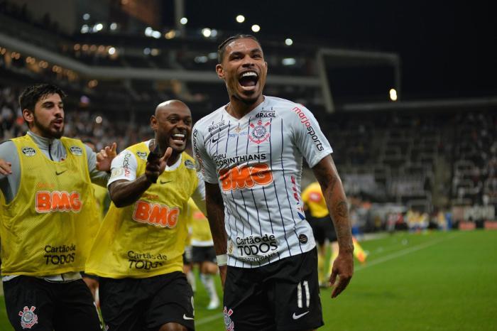 Corinthians pega Ceará em jogo decisivo para definir o rebaixamento