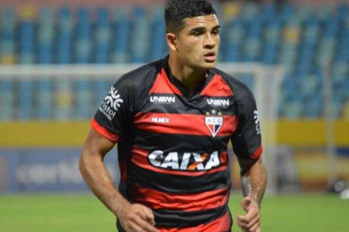 Destaque na Série B em 2018, atacante projeta volta ao Brasil