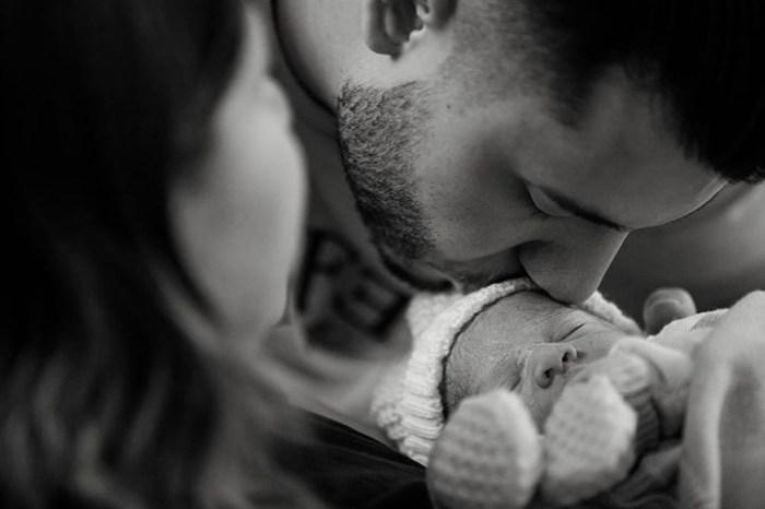 """Marília Mendonça divulga primeira foto do filho: """"seja bem-vindo"""""""