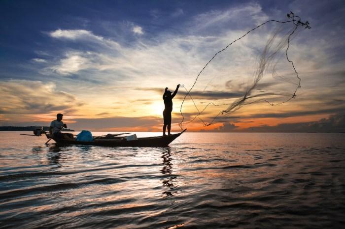 Na PB, mais de dois mil pescadores recebem auxílio emergencial