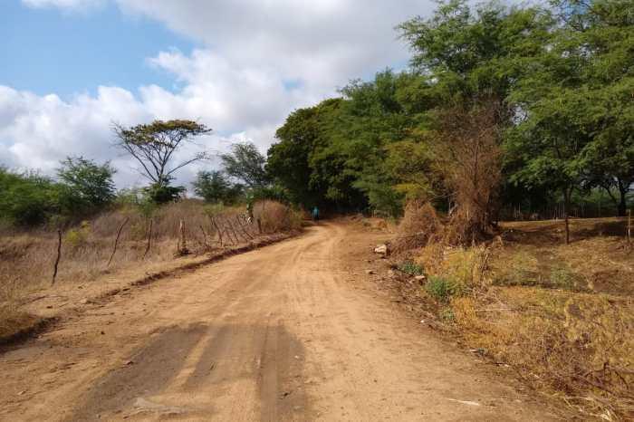 Éden Duarte consegue recursos para construção de passagem molhada no sítio Chorão