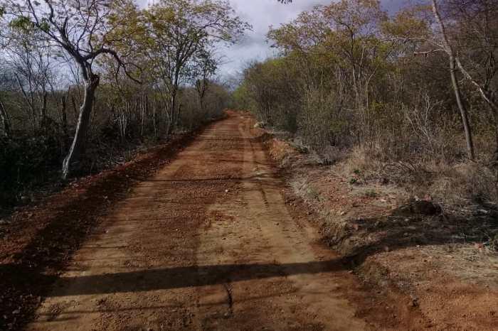 MONTEIRO: Prefeitura inicia 2020 recuperando estradas da zona rural