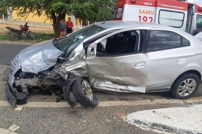 Acidente envolvendo três veículos deixa feridos no Cariri paraibano