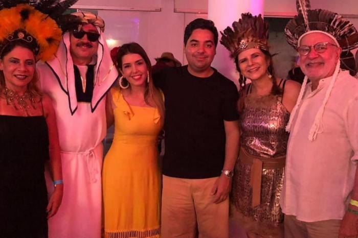 MOÍDOS DA REDAÇÃO: Ao lado de Carlos Batinga, Anna Lorena prestigia Baile da Loja Maçônica de Monteiro