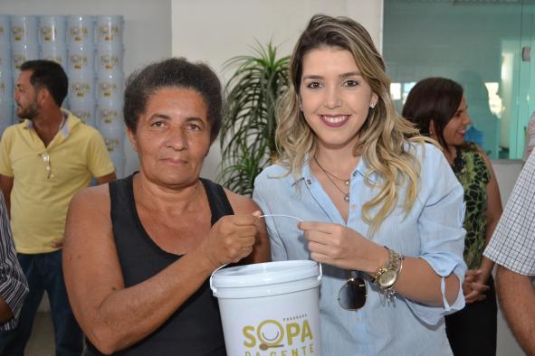 Em Monteiro: Programa Sopa da Gente realiza entrega de cartões aos beneficiários