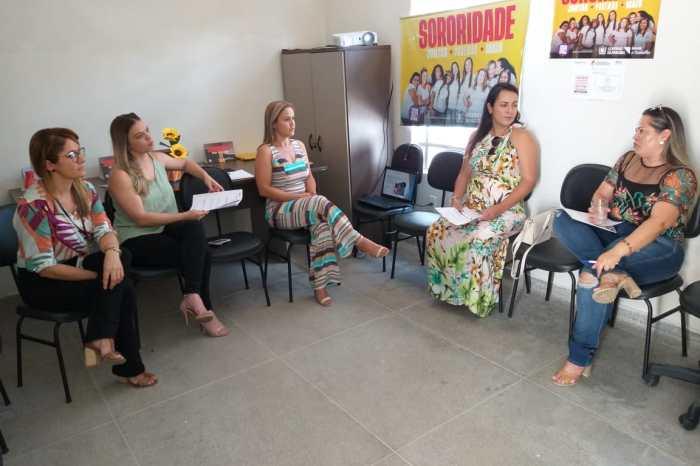 Empreendedoras sumeenses participam de roda de conversa sobre violência contra mulheres
