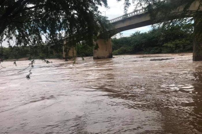 Região do Cariri volta a registrar fortes chuvas e rios amanhecem com enchentes