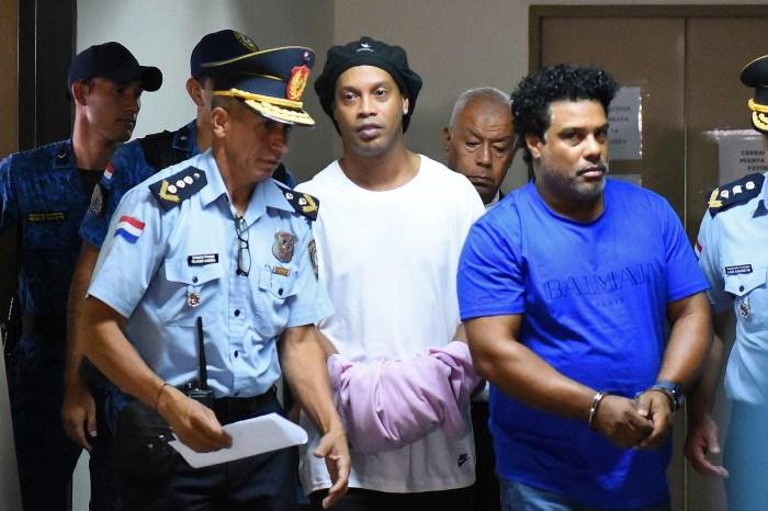 Justiça paraguaia decide manter Ronaldinho Gaúcho preso