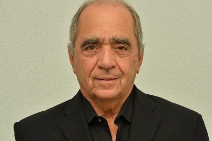 Roberto Cavalcanti assina nota de encerramento do Correio da Paraíba