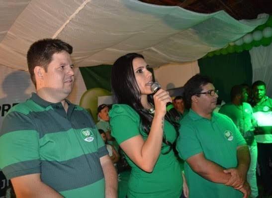 Grupo da prefeita Natália de Dr. Júnior anuncia filiação ao DEM e forma maior grupo político da história do município