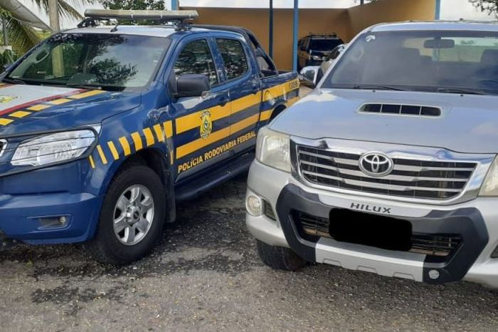 PRF recupera veículo de luxo com placa clonada na Paraíba