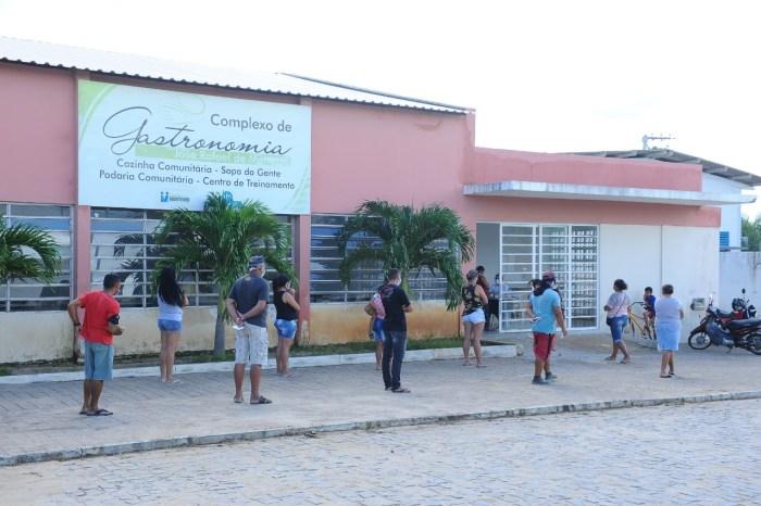 Prefeitura de Monteiro entrega Cesta Social obedecendo normas preventivas ao Covid-19