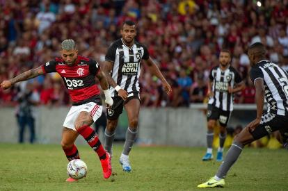Clubes cariocas definem planejamento para volta do futebol