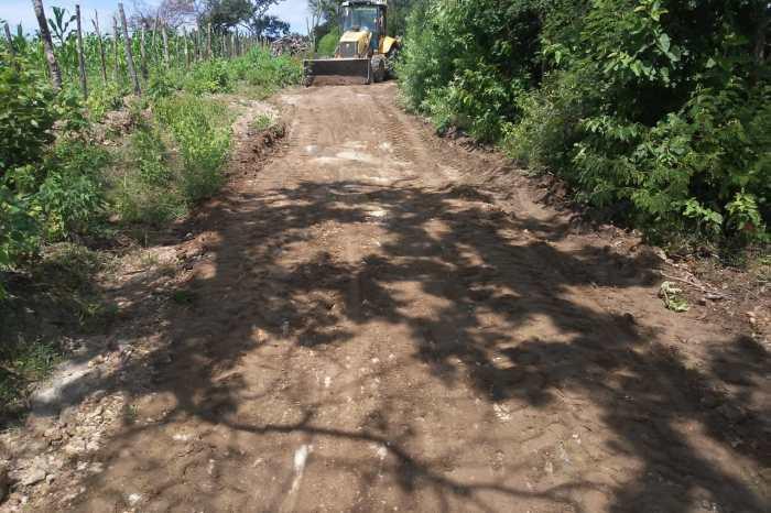 Prefeitura de Monteiro recupera estradas vicinais de 5 comunidades da zona rural