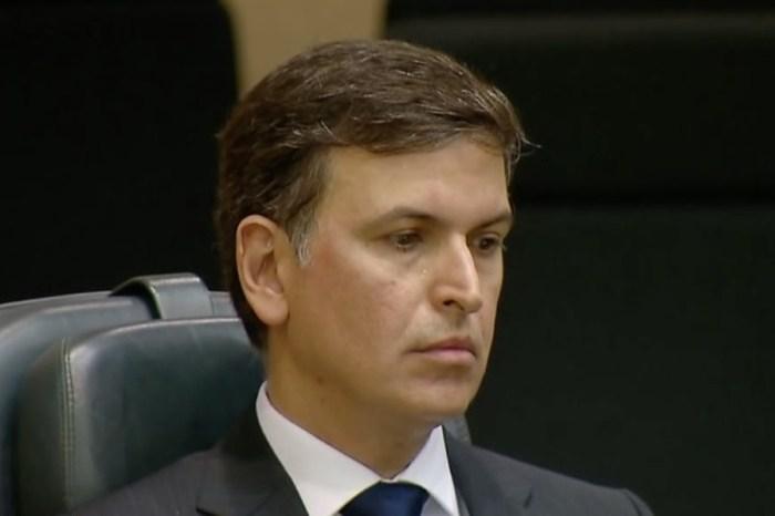 Em depoimento, ex-chefe da PF no RJ afirma que indicou substituto