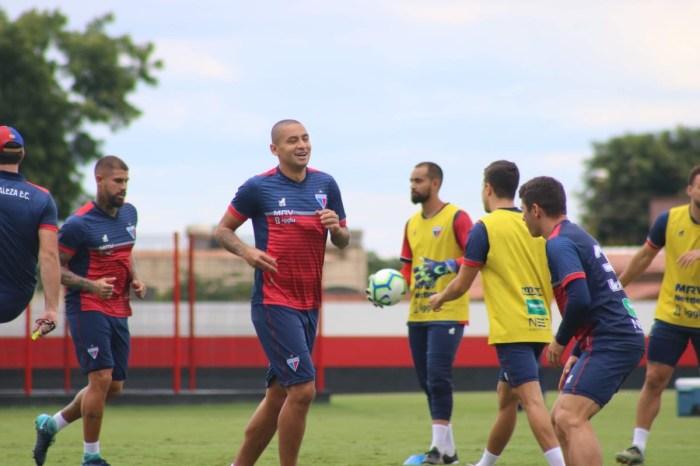 Fortaleza chega a acordo de redução salarial com jogadores