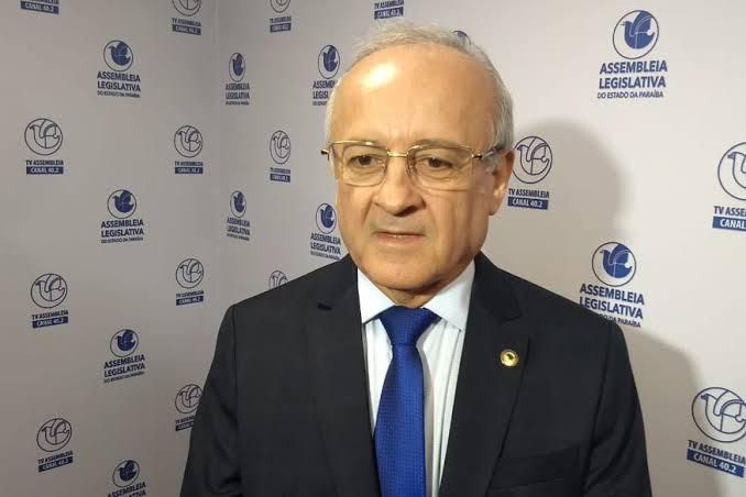 Deputado estadual Branco Mendes solicita recuperação de estrada do Cariri ao DER