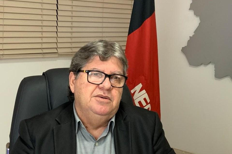 João Azevêdo apresenta plano de retomada da atividade econômica