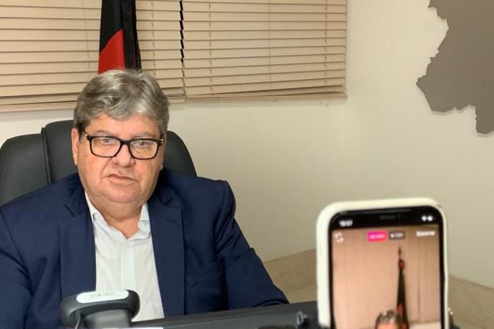 João assina ordens de serviço e autoriza obras de adequação do abatedouro de Monteiro