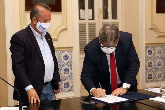 Ministro e Governador assinam liberação de R$ 30,7 mi para obras hídricas