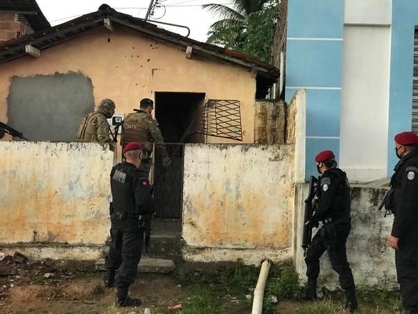 Operação cumpre mandados de prisão para desarticular organização criminosa