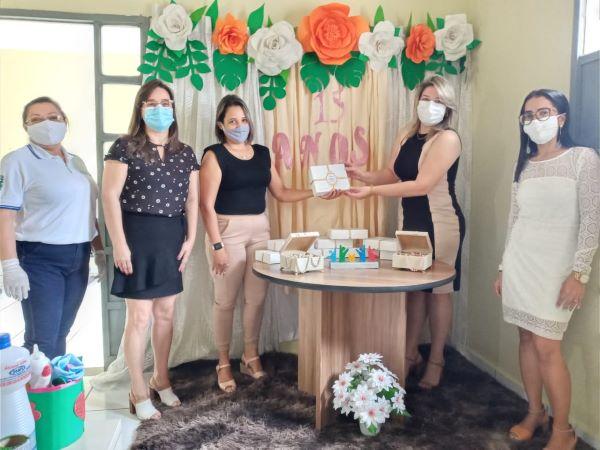 Assistência Social de Sumé conclui projeto com a entrega de fotos às debutantes